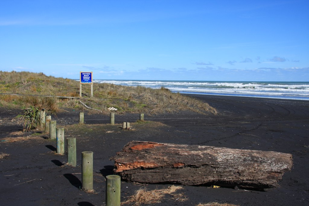 Kariotahi Beach, New Zealand