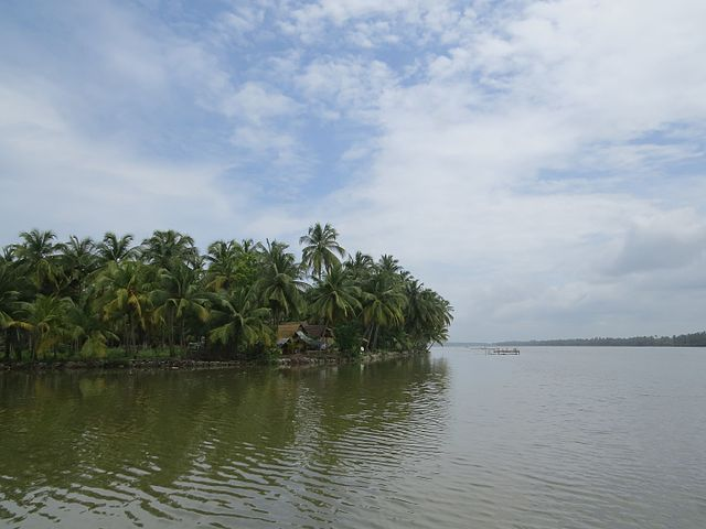 Islands in South India Kavvayi