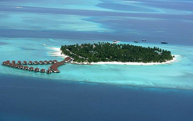 Cute Islands in Maldives Alimatha Aquatic Resort