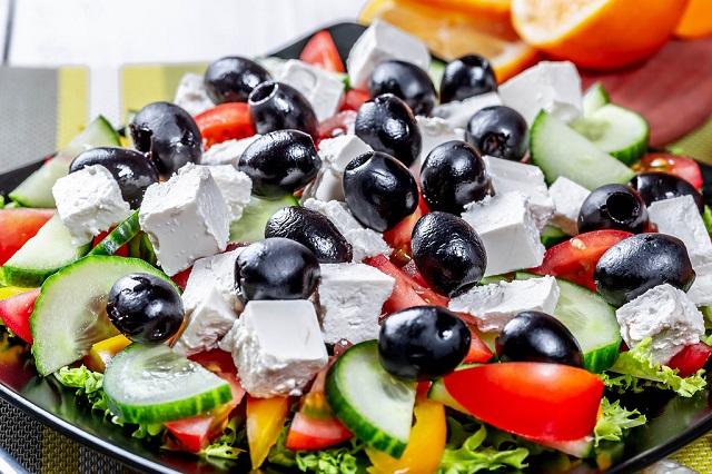 Food and Drinks Greek salad