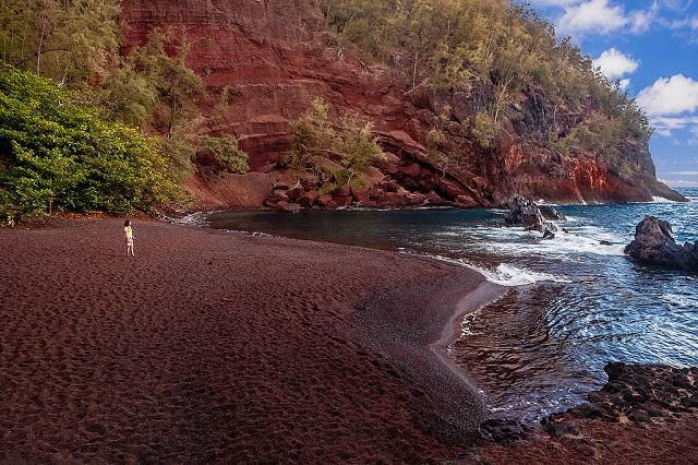 Things to Do in Maui Island Kaihalulu Beach
