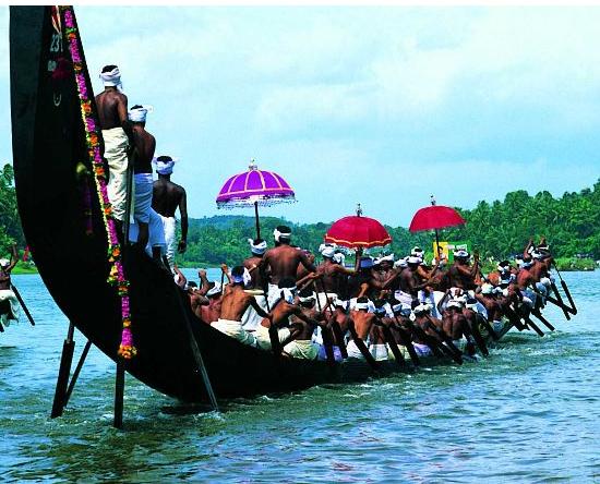 snake boat race Kerala