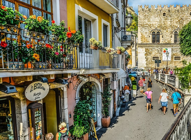 Sizzling Cities and Towns in Sicily to Visit