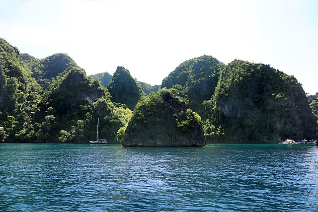 Rock formations, Coron Island