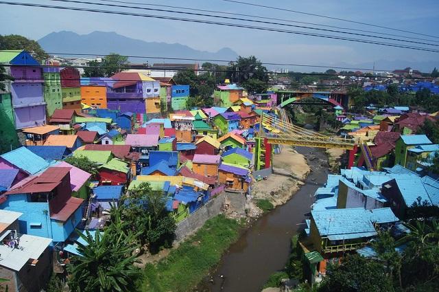 Kampung Tridi, Indonesia