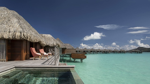 Four Seasons Resort,Spacious Overwater Bungalows Bora Bora