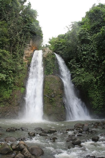 Kipot Waterfalls